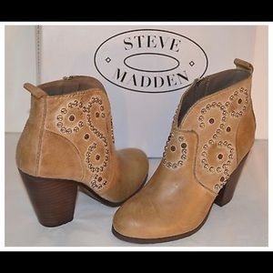 """Steve Madden """"Awsum"""" Leather Ankle Bootie"""